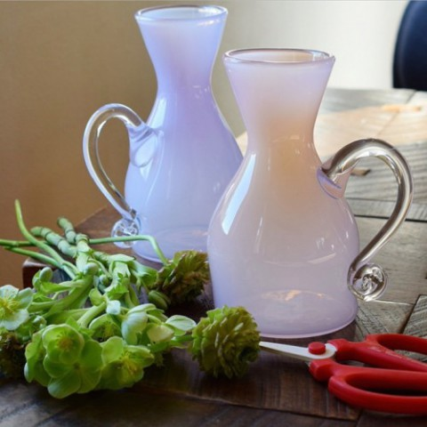 vase-with-a-handle-2